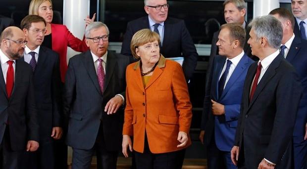 La crisi delle banche europee determinerà quella politica, qualunque cosa, a questo punto, faranno i governi nazionali. I salvataggi pubblici segneranno la fine della UE?
