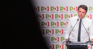 Sondaggi sempre più amari per il governo Renzi: il PD perde consensi e arretra anche nel caso di ballottaggio contro il centro-destra. Sul referendum costituzionale, il fronte del