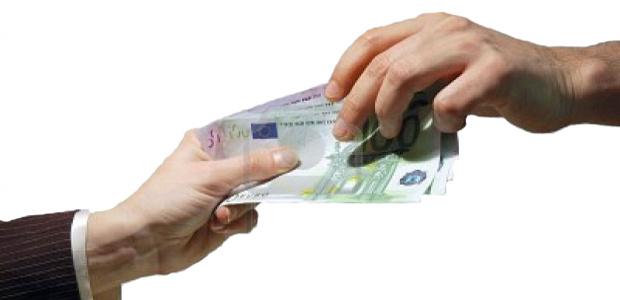 Prestiti banche in lieve calo a giugno