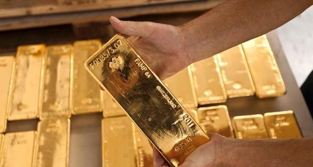Le quotazioni dell'oro potrebbero portarsi a 1.700 dollari. L'analisi è di Deutsche Bank, che spiega il perché di questo dato.