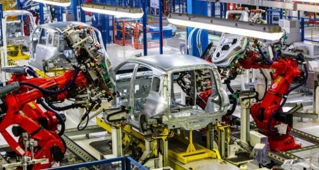 Produzione industriale in calo a giugno. Deluse le attese, è il dato peggiore da un anno e mezzo.