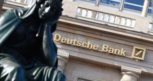 La crisi di Deutsche Bank s'inserisce nella guerra commerciale tra UE e USA, ma rischia di travolgere anche le banche italiane. Ecco quale sarebbe il reale momento allarmante.