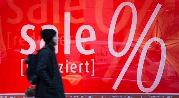 Il rischio deflazione nell'Eurozona si materializza con i salari. E la BCE dovrà agire presto di nuovo, anche se la Bundesbank mette le mani avanti.