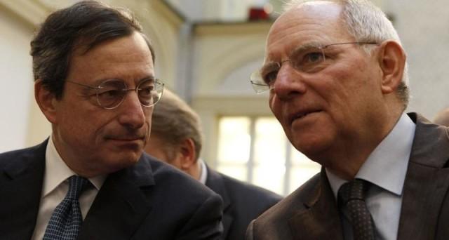 La BCE di Draghi potrebbe mettere a tacere le critiche in Germania ai suoi tassi negativi e fare contento anche il governo Renzi, attutendo in un sol colpo la crisi di MPS e il caso Deutsche Bank.