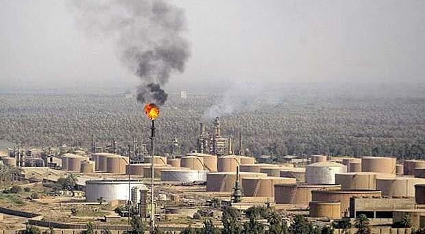 Prezzo del petrolio in calo ai minimi del mese. Previsioni non ottimistiche alla vigilia del vertice OPEC. E dall'America notizie