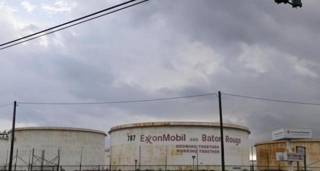 Petrolio: calano scorte settimanali, prezzo sopra 47 dlr