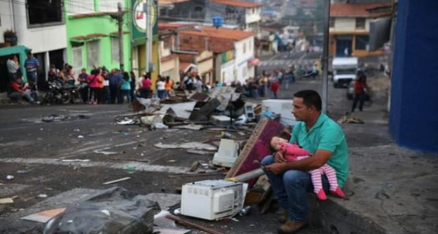 Il Venezuela ora importa petrolio dagli USA. Paradosso di un paese con le più vaste riserve al mondo, la cui economia è in pieno collasso.