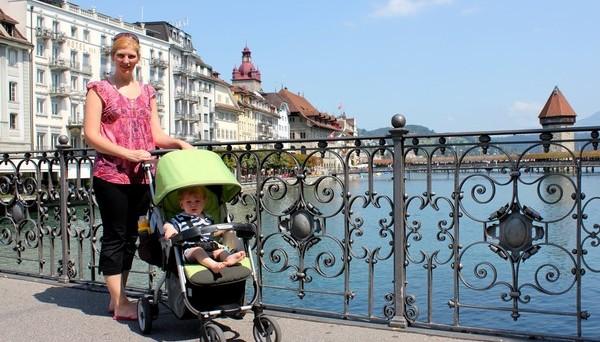 In Svizzera si ha un boom delle nascite: +20% dal 2001. In Italia si registra un calo demografico, frutto di un calo dei nati e di una crescita dei morti. Quale causa di questa divergenza?