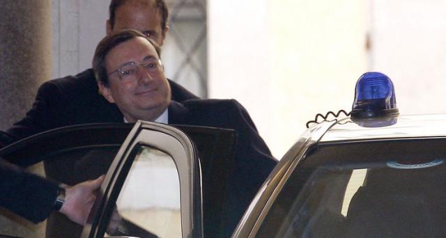 L'ex premier Silvio Berlusconi potrebbe non fare campagna attiva per il