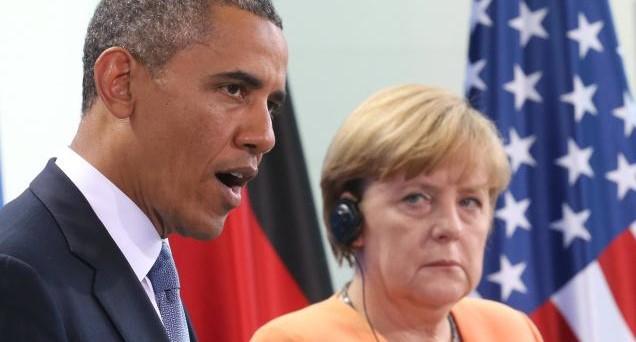 La crisi di Deutsche Bank sarebbe frutto di una guerra commerciale tra USA e Germania, che sta mietendo diverse vittime illustri. E chiunque vinca le elezioni americane avrà in mano dossier scottanti.