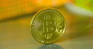 I Bitcoin in India si pagano fino a oltre 100 dollari in più delle quotazioni internazionali. Come per l'oro, gli indiani cercano un modo per riciclare le banconote messe fuori corso dal governo.