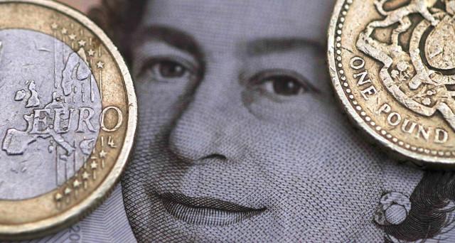 La sterlina ha segnato importanti guadagni contro l'euro dalle elezioni USA, ma sono tutt'altro che solidi. La Germania avverte Londra: scordatevi una Brexit morbida.