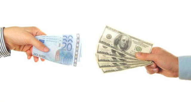 Il cambio euro-dollaro si è già indebolito con la vittoria di Donald Trump, ma gli analisti tornano a parlare di parità. Cosa e perché starebbe accadendo?