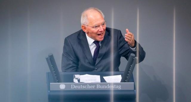 Crisi Eurozona, Germania contro Ue su conti pubblici