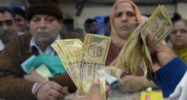 La lotta al contante in India sta già favorendo stato e banche. L'esperimento potrebbe essere imitato in Europa, dove il connubio tra governi e sistema bancario è forte.