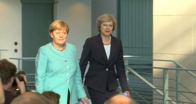 Lasciare la UE, ma non il mercato comune. La soluzione ad oggi considerata molto improbabile per il Regno Unito potrebbe diventare realtà, dopo le aperture di Bruxelles e, soprattutto, della Germania. Vediamo quali.