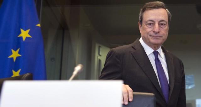 Lo scadente dibattito politico italiano sul futuro della nostra economia ha anche una causa: Mario Draghi. I suoi potenti stimoli monetari hanno