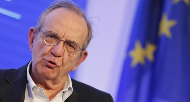 https://www.investireoggi.it/economia/wp-content/uploads/sites/11/2016/12/padoan-premier-640x342.jpg