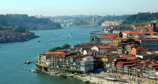 Una tassa patrimoniale maggiorata sui metri quadrati di un immobile esposti al sole o a una vista panoramica. E' l'ultima idea del Portogallo per sostenere l'equità fiscale.