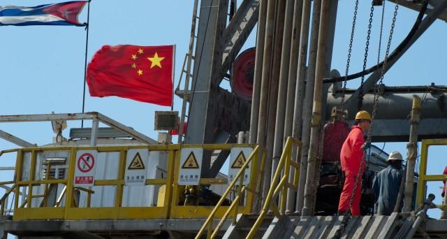I prezzi del petrolio guarderanno alla Cina nel 2017. L'andamento dello yuan potrebbe rappresentare un ostacolo alla risalita delle quotazioni.