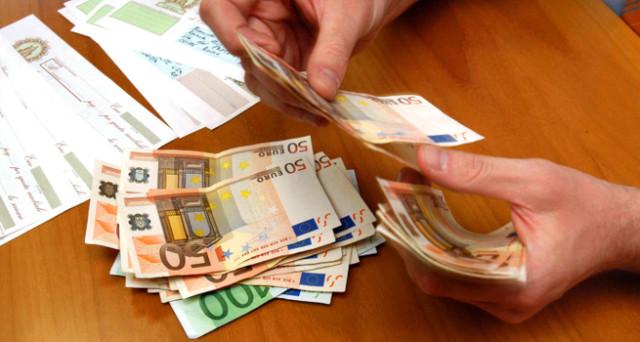Con l'attentato a Berlino, la UE studia nuove limitazioni all'uso del denaro contante. Ma il terrorismo appare sempre più una scusa.
