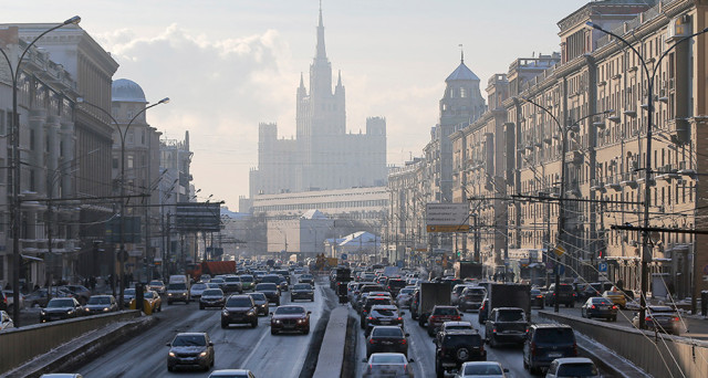 Economia in ripresa in Russia, grazie alla risalita dei prezzi del petrolio. Giù l'inflazione, ma anche i tassi dovrebbero scendere nei prossimi mesi.