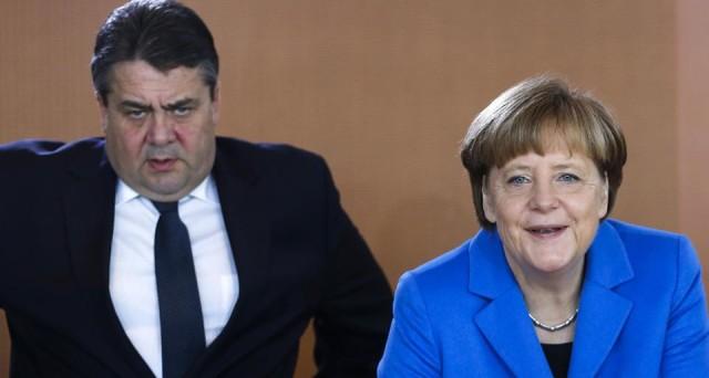 Il ministro tedesco Gabriel attacca Merkel: