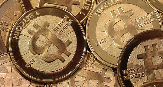 I prezzi dei Bitcoin sono esplosi anche in questi primi giorni dell'anno, raggiungendo quasi i record di sempre. Vediamo cosa li sostiene.