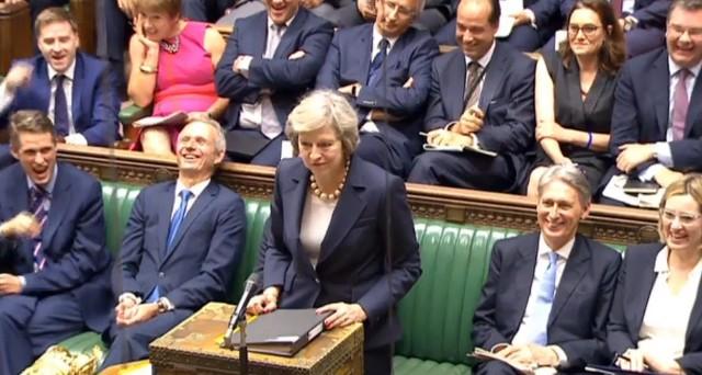 Brexit: deciderà il Parlamento per la Corte Suprema, ma la sterlina resta in calo
