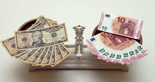 Cambio euro-dollaro in risalita dopo il discorso del presidente Trump all'insediamento di venerdì. Ma le prospettive restano deboli nel medio termine.