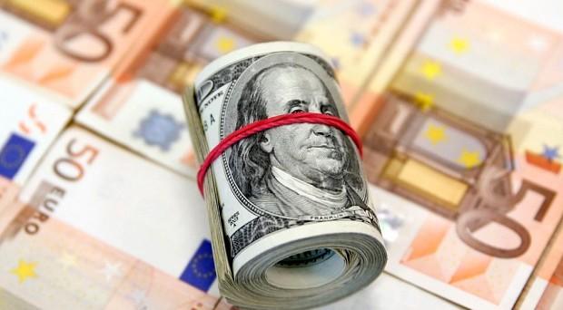 Cambio euro-dollaro in deciso calo dopo i dati sull'inflazione in Germania a gennaio. Ecco cosa muove i mercati.