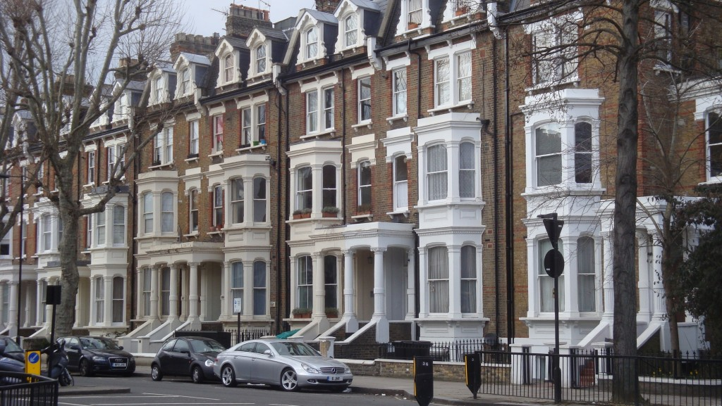 comprare casa a londra conviene adesso boom di immobili
