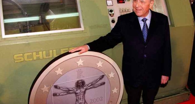 Quando il caffè costava 900 lire Quindici anni fa arrivò l'euro