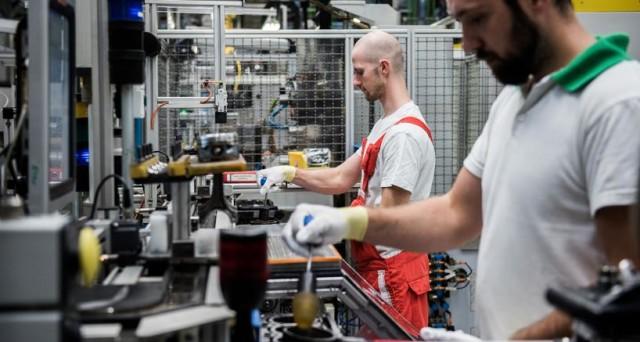 Produzione industriale in ripresa a novembre, dopo un ottobre stagnante. Bene anche nel resto dell'Eurozona.