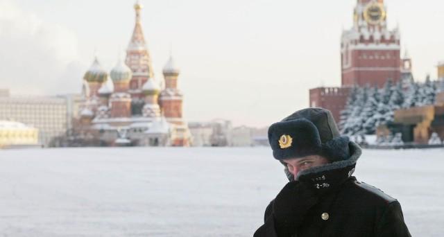 Rublo in rimonta contro il dollaro: +26,5% in un anno. Ma il governo russo punta a indebolirlo un po' per rimpinguare le casse dello stato.