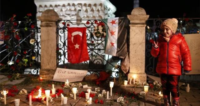 La lira turca precipita a nuovi minimi storici contro il dollaro. La strage di Istanbul è solo l'ultima causa per la fuga dei capitali dal paese.