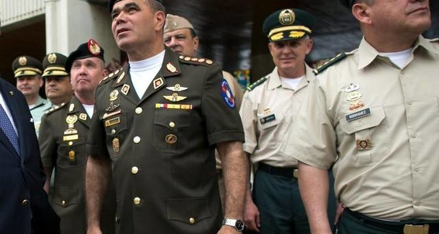 Il Venezuela torna a emettere titoli di stato dopo oltre 5 anni, ma con modalità dubbie. Chi sta dietro all'operazione? Intanto, prosegue la crisi alimentare.