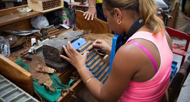 L'economia a Cuba non decolla e rischia persino di restare in recessione, ora che il Venezuela è crollato e che gli USA di Trump non sono più sicuri di proseguire nel riallaccio delle relazioni economiche e diplomatiche.