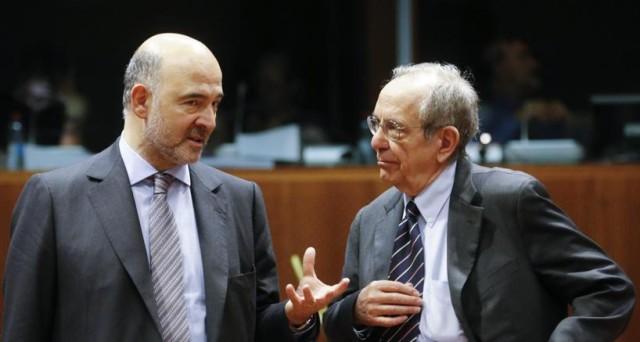 Il debito pubblico italiano è nel mirino della Commissione europea, che domani invierà un avvertimento formale. Serve la manovra da 3,4 miliardi al più presto.