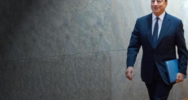Un piano Draghi per anticipare un possibile attacco finanziario contro l'Eurozona? E' quanto emergerebbe dai verbali della BCE, dove si nota un cambio di programma sul