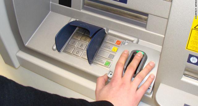 Utilizzo dei contanti: per chi preleva più di 3mila euro scatta la segnalazione a Bankitalia, ecco cosa cambia.