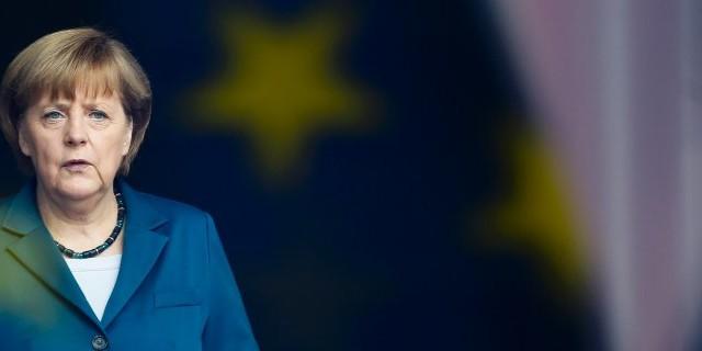 La cancelliera Merkel smentisce di ambire al doppio euro, ma l'Italia non sembra avere capito che la minaccia era e resta rivolta contro di essa. I tedeschi sono sfiduciati sulla nostra economia.