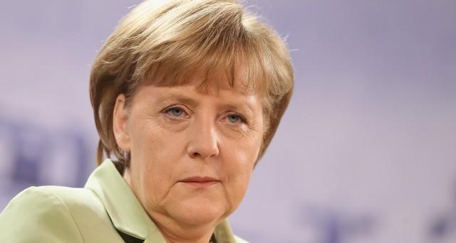 Se la cancelliera Merkel perdesse le elezioni in Germania, dovremmo davvero festeggiare qualcosa? Vediamo se e come l'Italia potrebbe guadagnarci o meno.