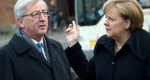 La crisi dell'euro si accentua sulla differenza di percorso immaginata dalla Germania, rispetto alla Commissione europea. Se non si esce dall'equivoco, la moneta unica non ha futuro.