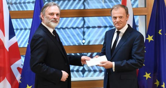 La Brexit ha inizio. Londra invia a Bruxelles la lettera sul divorzio e la UE s'interroga sul proprio futuro. Vediamo gli scenari.