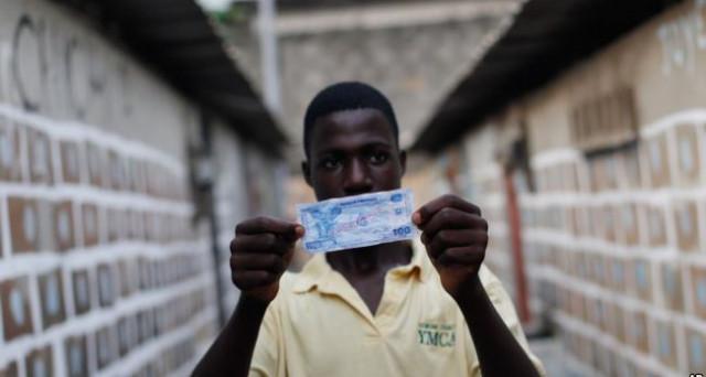 L'uscita della Francia dall'euro riguarderebbe anche 14 paesi africani, i cui tassi di cambio sono ancorati alla moneta unica, attraverso il vecchio franco francese. Vediamo cosa potrebbe accadere.