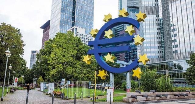 Crescita Eurozona al top da 6 anni