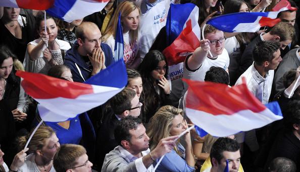 Elezioni in Francia ad alta tensione. Marine Le Pen e François Fillon nel mirino dei giudici. Lo spread resta stabile, ma anche perché risulta sempre più difficile capirci come si stiano muovendo le cose a Parigi.