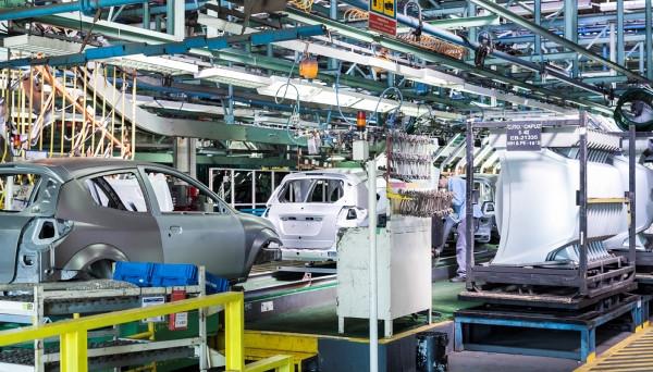 Industria: giù a inizio 2017 fatturati e ordinativi