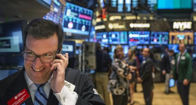 Siamo alla vigilia di un crollo azionario? Dovremmo optare per una fuga dalla borsa o possiamo guardare al futuro prossimo con ottimismo?